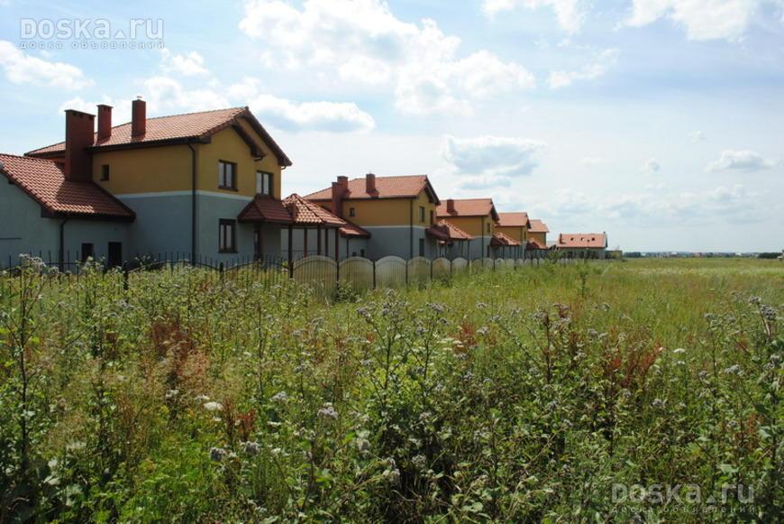 Калининградская область, зеленоградский район, п муромское, в центре поселка, недалеко от кирхи