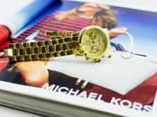 Драгоценности, украшения,  Часы Женские, цена 1 390 рублей, Фото
