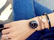 Драгоценности, украшения,  Часы Эксклюзивные, цена 990 рублей, Фото