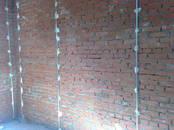 Строительные работы,  Отделочные, внутренние работы Поклейка обоев, цена 2 500 рублей, Фото