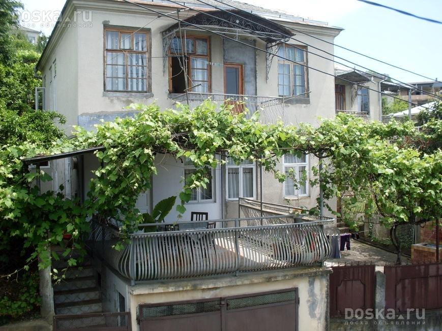 Купить небольшой домик с садом в абхазиинедорого