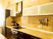 Квартиры,  Санкт-Петербург Проспект большевиков, цена 9 700 000 рублей, Фото