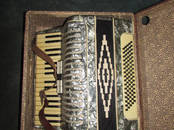 Музыка, инструменты, обучение,  Музыкальные инструменты Аккордеоны, баяны, цена 2 000 рублей, Фото